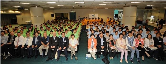9 第二屆結業同學及第三屆同學與各位出席嘉賓大合照